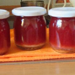Erdbeermarmelade mit Stangenpfeffer