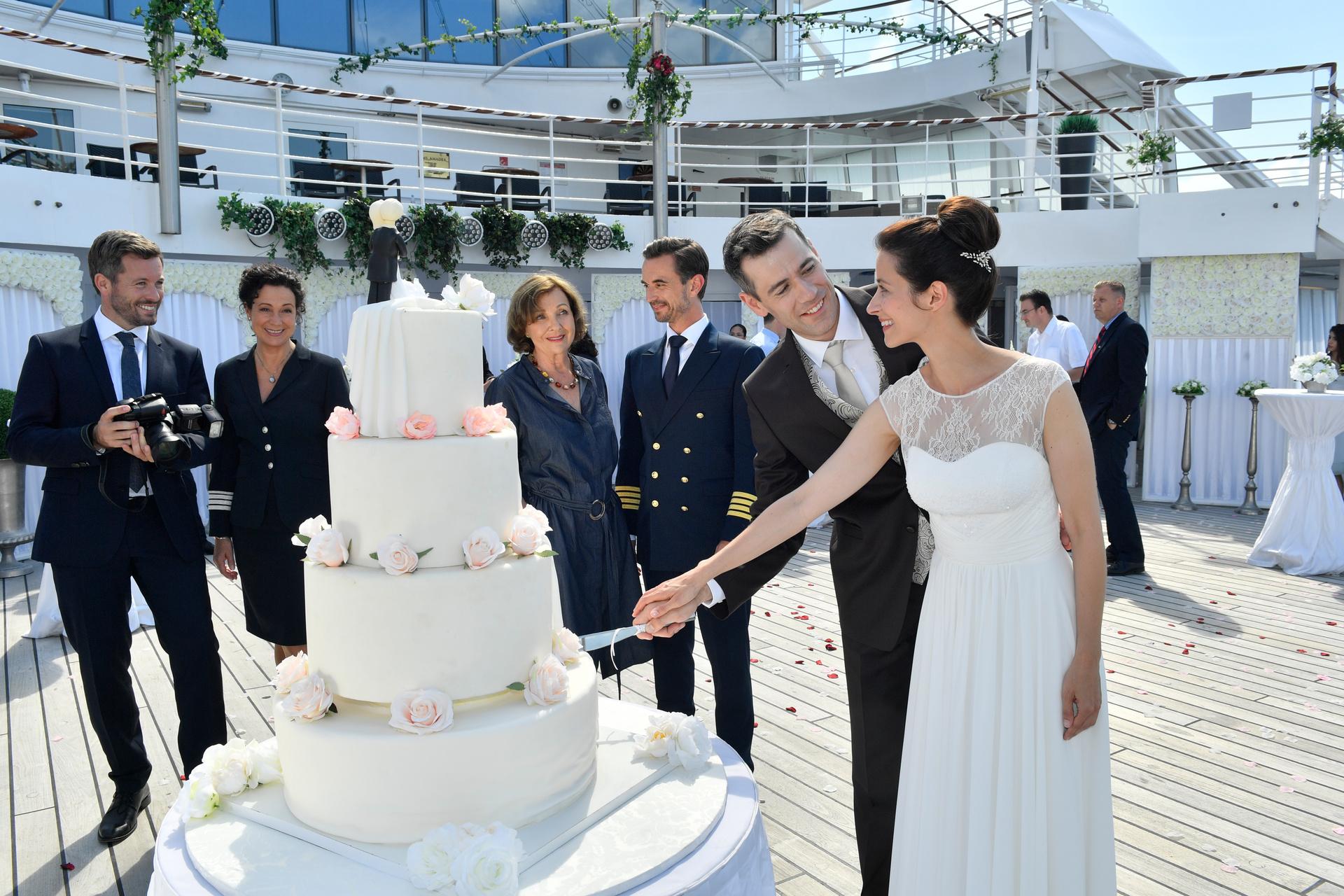 """Hochzeitsreise nach Tirol ZDF, 21.45 Uhr: """"Kreuzfahrt ins Glück - Hochzeitsreise nach Tirol"""""""
